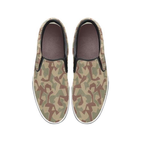 1946 Bulgarian splinter camouflage Men's Classic Slip-On Sneakers .