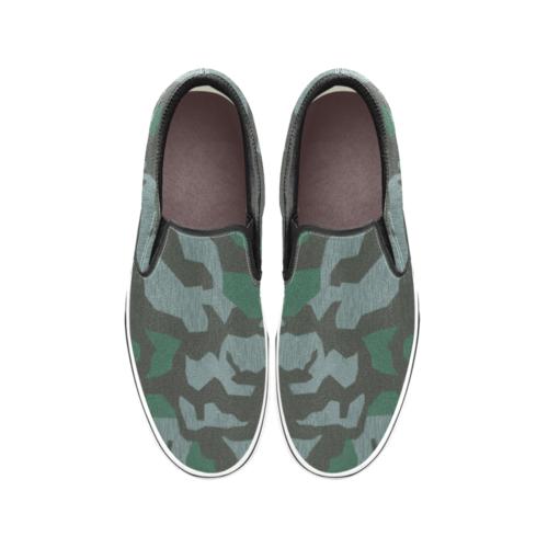 Luftwaffe Splittermuster 41 camouflage Men's Classic Slip-On Sneakers .