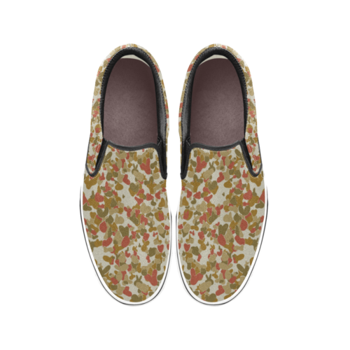 red auscam opfor musoria camouflage Men's Classic Slip-On Sneakers .